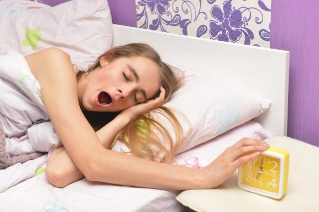 注意しよう!寝不足は顔にでるんです!