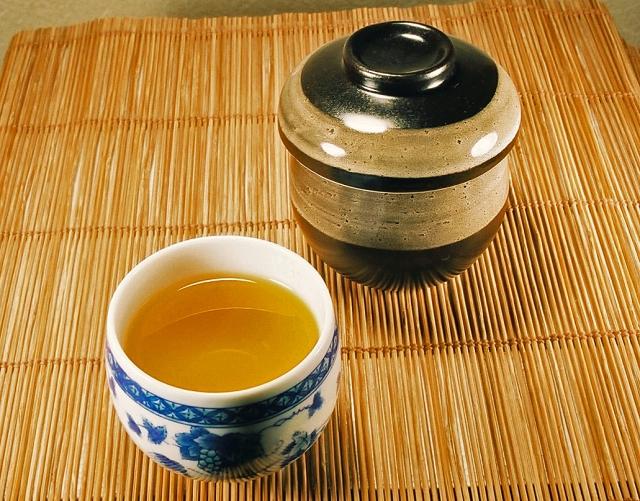 お茶はどう飲めば便秘に効果的?【温度・タイミング】