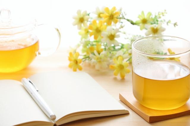 【便秘の時こそ下剤成分ゼロの体にやさしいお茶を】便秘に良いお茶の選び方