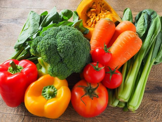 【薬剤師監修】便秘の種類別!便秘解消・予防に効果的な食べ物と生活習慣!