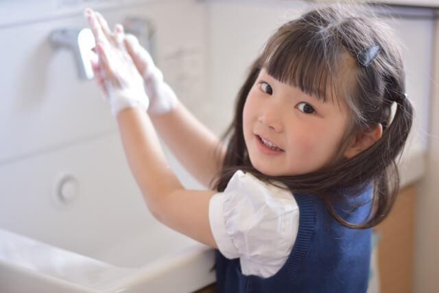 こまめに手を洗いインフルエンザのウイルスを持ち込まない!潜伏期間にも効果的