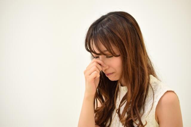 【鼻水を止める】鼻水・鼻づまりが起こる原因とメカニズム