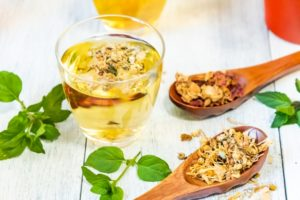 花粉症の対策になる飲み物のカモミールティー