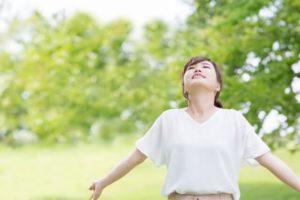 【しゃっくりの止め方】息を止めてから深呼吸を何度か繰り返す