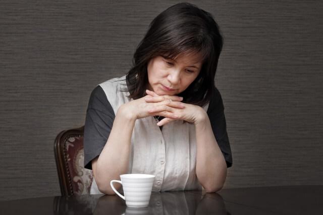 もしかしたらうつ病かも?体からのサインを見逃さないで!うつ病の原因と症状・治療法