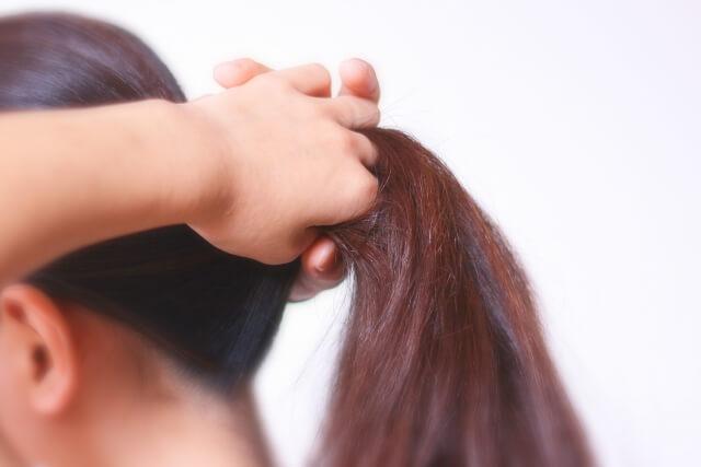 女性の薄毛の原因⑤:頭皮にストレスを与えるヘアアレンジ