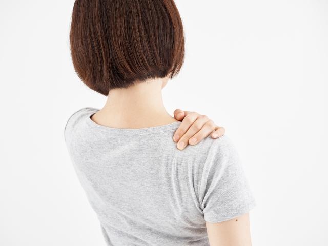 肩こりは日常生活の様々な動作が原因です