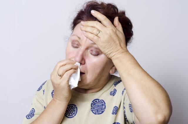 大人の鼻血は動脈性出血が原因かもしれないので注意が必要?