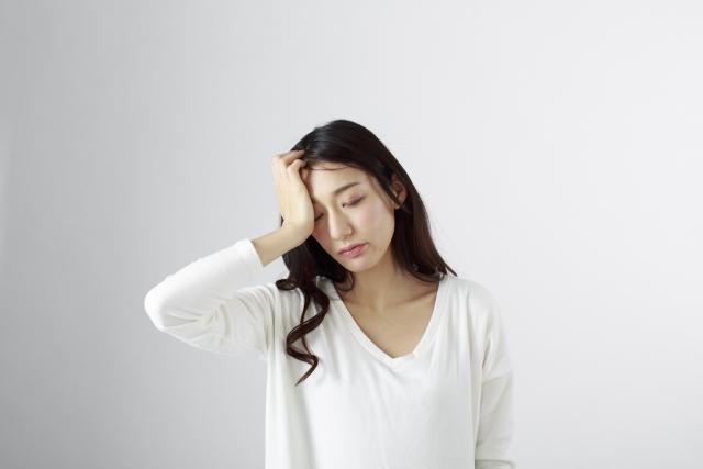 頭が痛い…その頭痛の原因は?各種類の痛みの特徴と対処法もご紹介