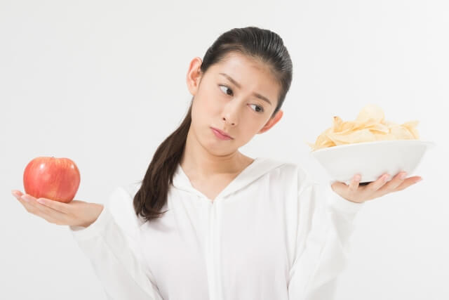 女性の薄毛の原因④:生活習慣の乱れや過度なダイエット
