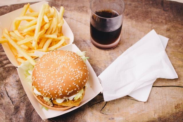 食生活の改善も痔の改善に必要なポイントです