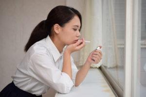 喫煙すると逆流性食道炎を引き起こす