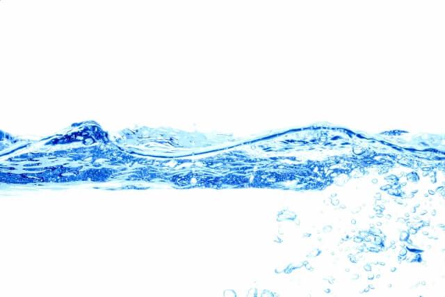 1日に必要な水分量は?摂取水分量と出ていく水分量