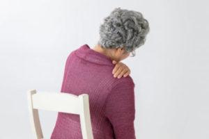 【四十肩になりやすい人】運動不足の人は四十肩になりやすい