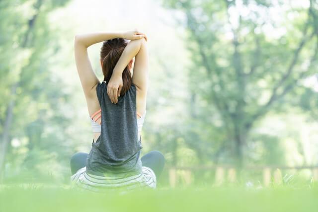 【回復期におすすめ】四十肩の痛みを和らげる運動方法