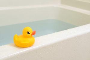 【短時間睡眠のコツ】就寝1時間半前に入浴して体を温める