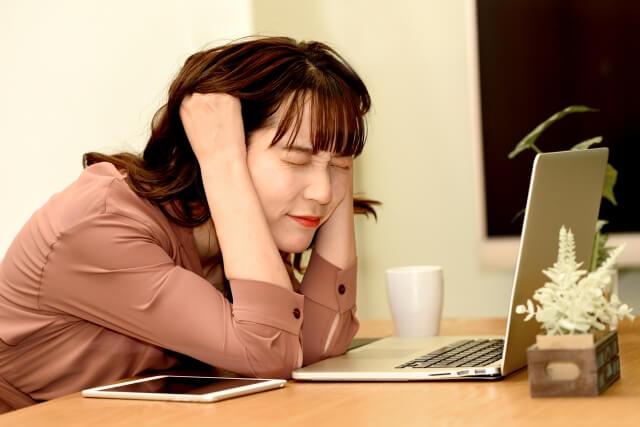 【胃が痛い】ストレスをため込みやすい「心の習慣」
