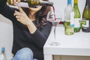 アルコール依存症の原因②環境