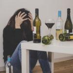 【アルコール依存症】気づいていない人が大半!アルコール依存症の症状や予防法をチック