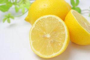 【ニキビと食べ物】ニキビ改善になる栄養素は「ビタミンC」