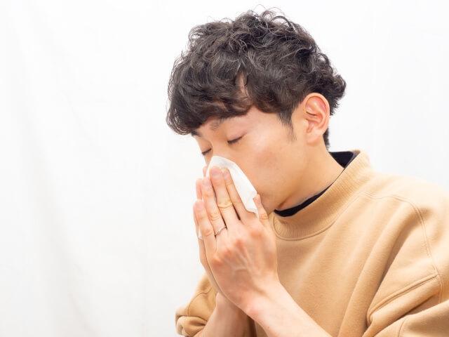 【花粉症の市販薬】辛い花粉症に市販薬を飲むなら注意点も知ろう!