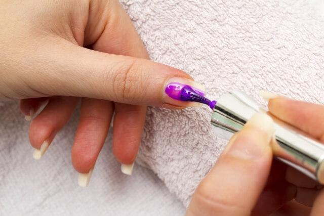 【爪の縦線】爪の縦線ができる5つの原因