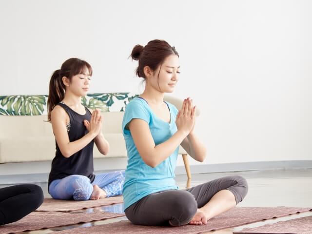 【初心者も安心】心も体もリラックス!瞑想の方法|正しい方法で瞑想にチャレンジ