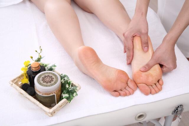 【足裏のツボ】正しくは1個だけ!足裏のツボ押しとマッサージでお悩みの症状を解決