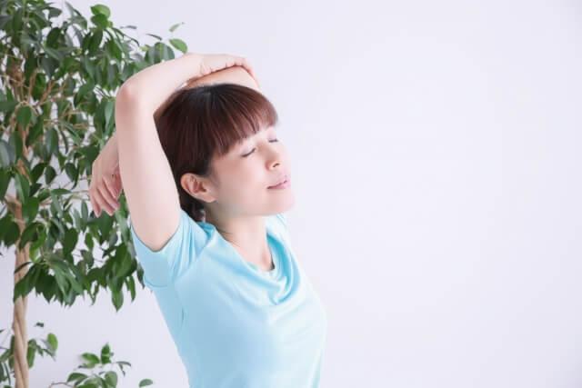 【肩甲骨はがし】肩甲骨の方法