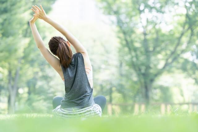股関節を柔らかくするストレッチ法を紹介!股関節が柔らかくなることで得られるメリットとは?