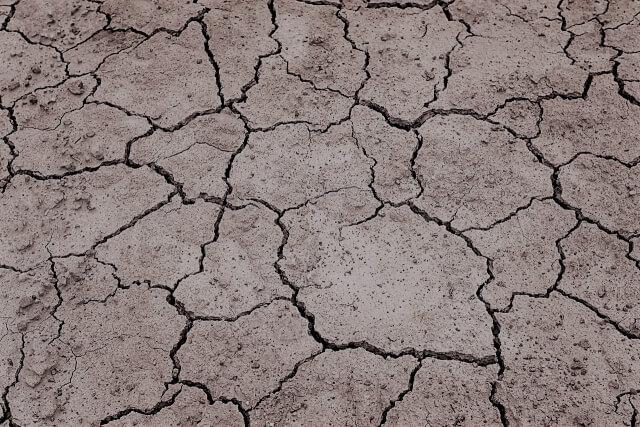 【乾燥肌の原因】なぜ乾燥してしまう?