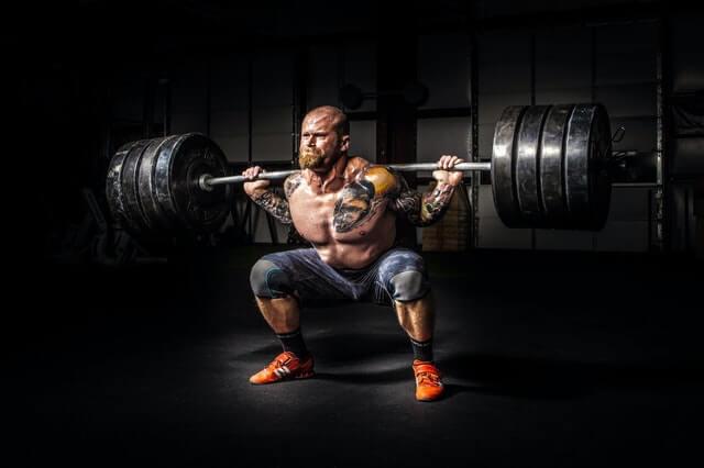 【現役パーソナルトレーナーが教える 】大腿四頭筋を効果的に鍛えるトレーニング11選