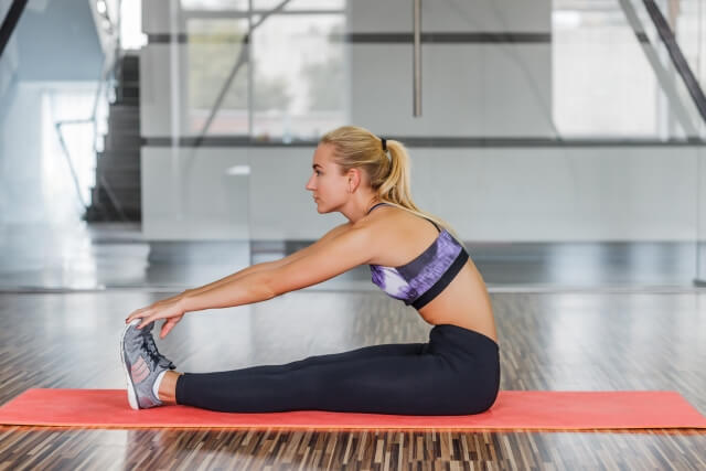 運動前のストレッチは逆効果!?運動能力を最大に引き出す正しいストレッチ